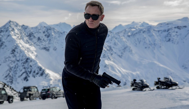 James_Bond_-_Spectre_2.jpg