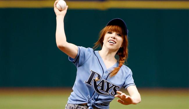 carly-rae-jepsen-first-pitch-900-600.jpg