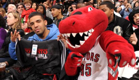 Drake_Attends_Toronto_Raptors_Game_2.jpg